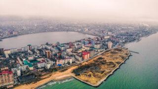 Редукторный посёлок и озеро Ак-Гёль, Махачкала. Фото Suleyman Nabiev