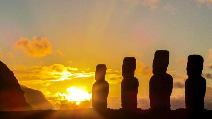 Идолы острова Пасхи. Фото Antonio Sánchez / Unsplash