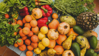 Овощи и фрукты. Фото Tom Brunberg / Unsplash