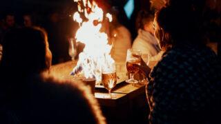 Употребление алкоголя. Фото Ross Sneddon / Unsplash