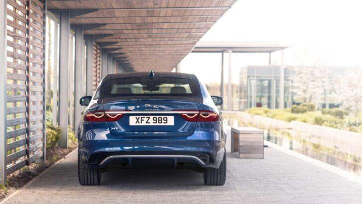 Jaguar XF. Фото Jaguar