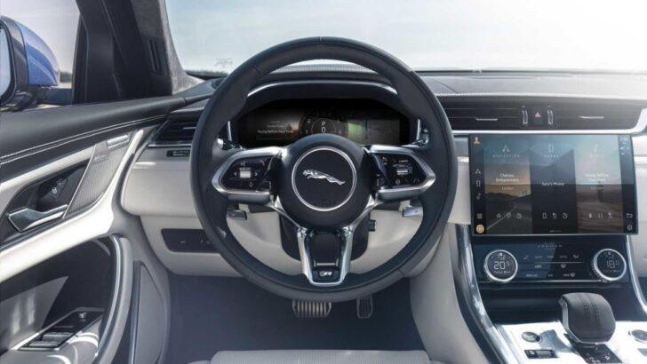 Jaguar XF салон. Фото Jaguar