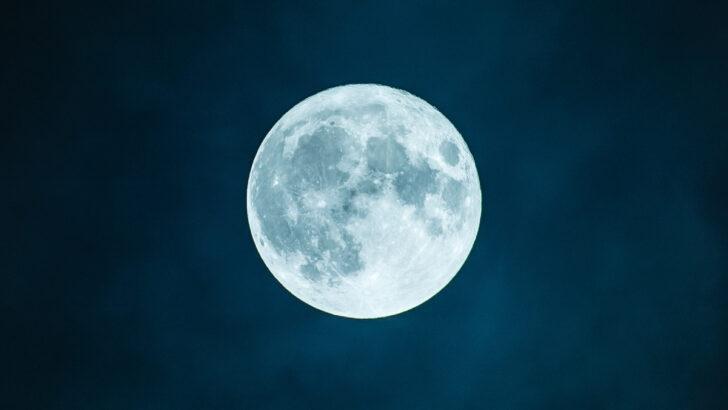 Луна. Фото PxHere
