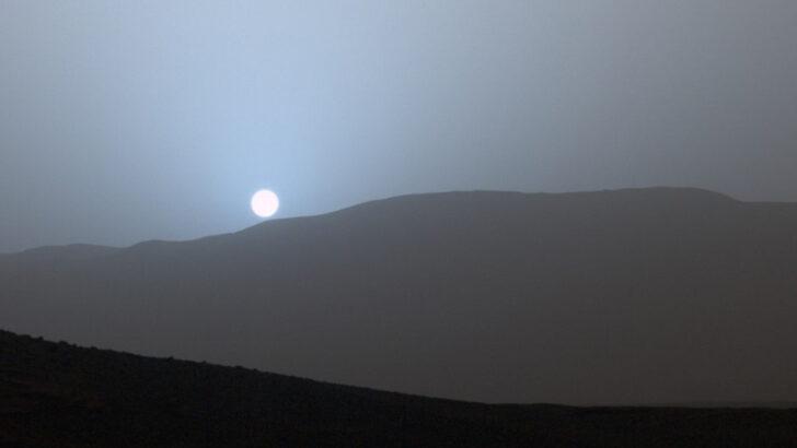Голубой закат. Фото Tugsataydin
