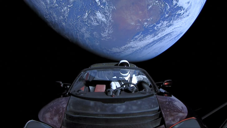 Tesla Roadster в космосе. Фото SpaceX