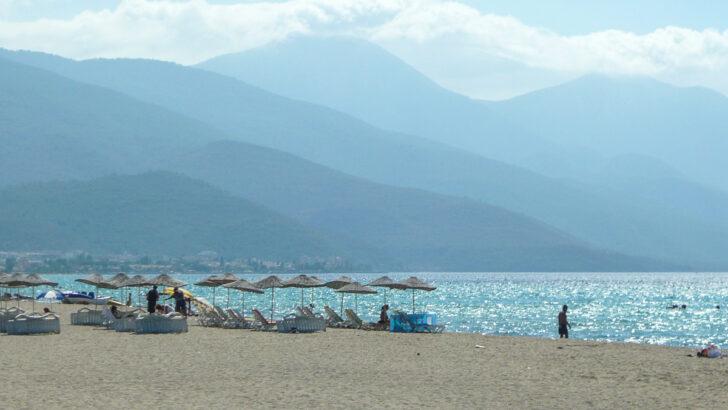 Пляж рядом с Кушадасы. Фото rahimabaid