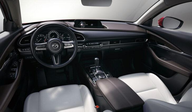 Интерьер Mazda CX-30. Фото Mazda