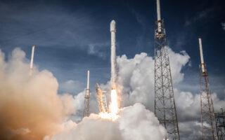 Запуск Falcon 9. Фото SpaceX
