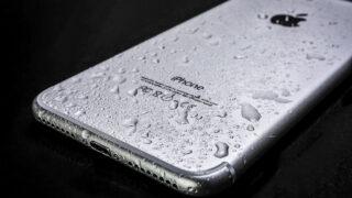 Мокрый iPhone. Фото Photo Mix / Pixabay