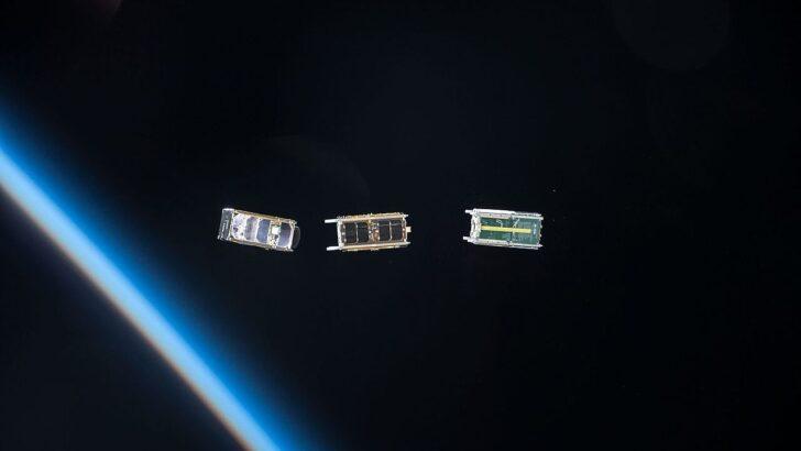 Развертывание кубсатов. Фото NASA