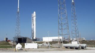 Ракета-носитель Falcon 9. Фото NASA/Ken Thornsley