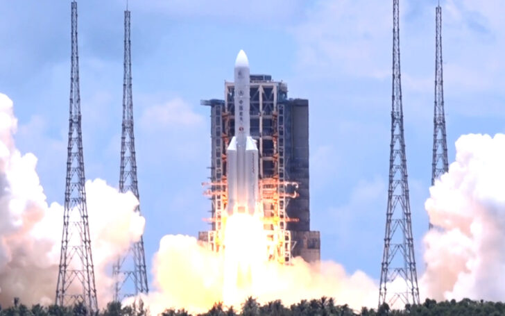 Запуск Tianwen-1. Фото Chinanews