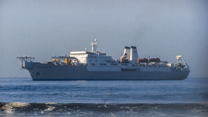 Корабль-кабелеукладчик. Фото Nc tech3