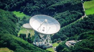 Эффельсбергский радиотелескоп. Фото Dr. G.Schmitz (CC BY-SA 3.0)