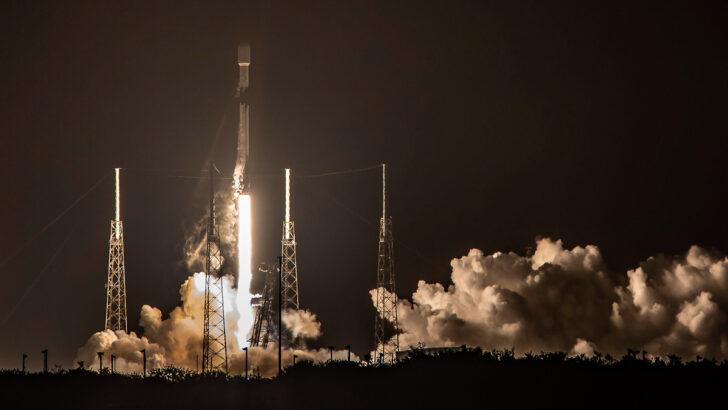 Запуск ракеты-носителя Falcon 9. Фото SpaceX (CC BY-NC 2.0)