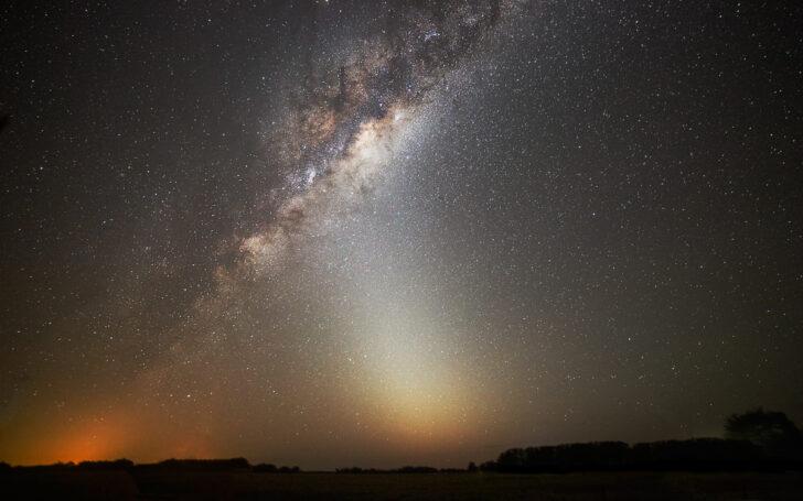 Зодиакальный свет. Фото Luis Argerich (CC BY-NC 2.0)