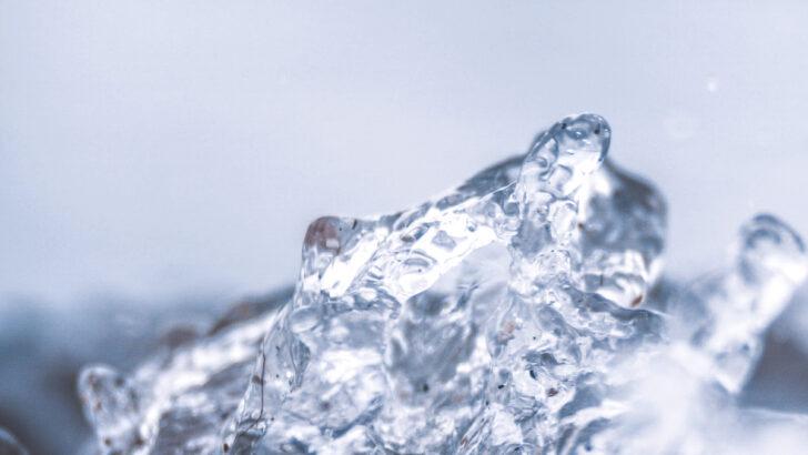 Вода. Фото Samara Doole / Unsplash