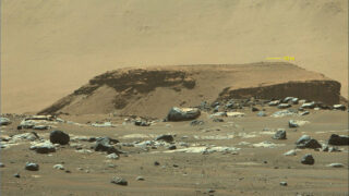 Слоистые отложения в кратере Гейла. Фото NASA/JPL-Caltech