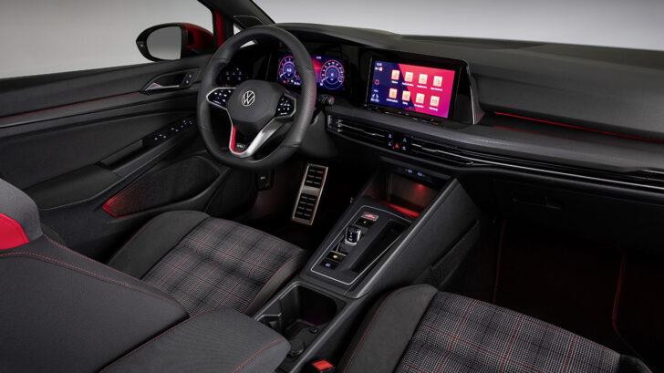 Интерьер Volkswagen Golf. Фото Volkswagen