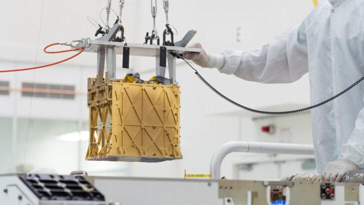 Аппарат MOXIE. Фото NASA/JPL-Caltech