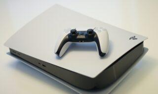PlayStation 5. Фото Kerde Severin / Unsplash