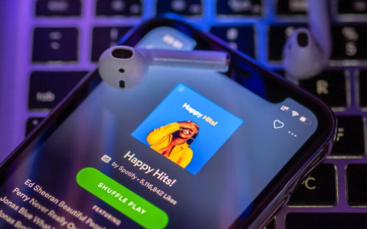 Spotify. Фото Omid Armin / Unsplash