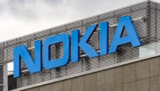 Nokia. Фото Pawel Czerwinski / Unsplash