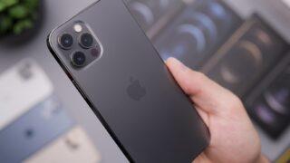 Apple iPhone 12 Pro. Фото Daniel Romero / Unsplash