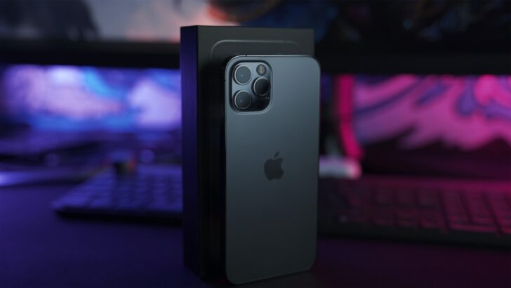 Apple iPhone 12 Pro. Фото Onur Binay / Unsplash