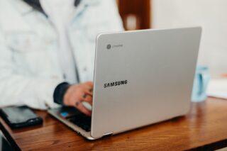 Ноутбук на Chrome OS. Фото Brooke Cagle / Unsplash