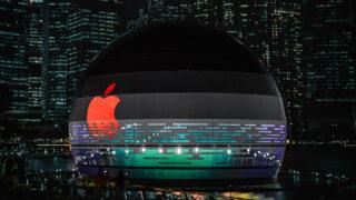 Apple. Фото Alisina Elyasi / Unsplash