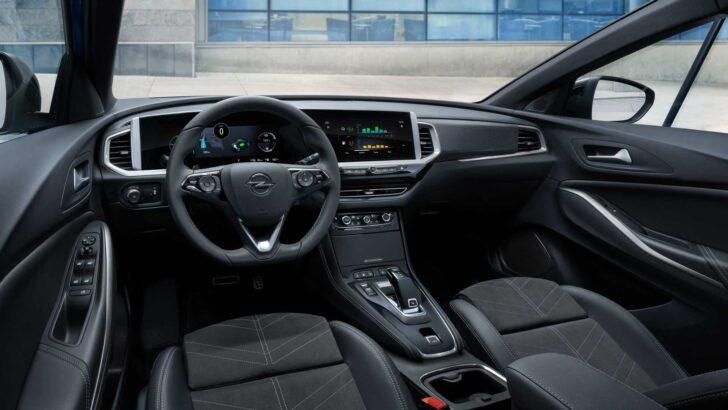 Интерьер Opel Grandland. Фото Opel