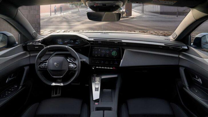 Интерьер Peugeot 308 SW. Фото Peugeot
