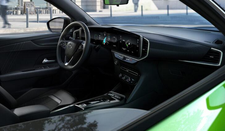 Интерьер Opel Mokka. Фото Opel