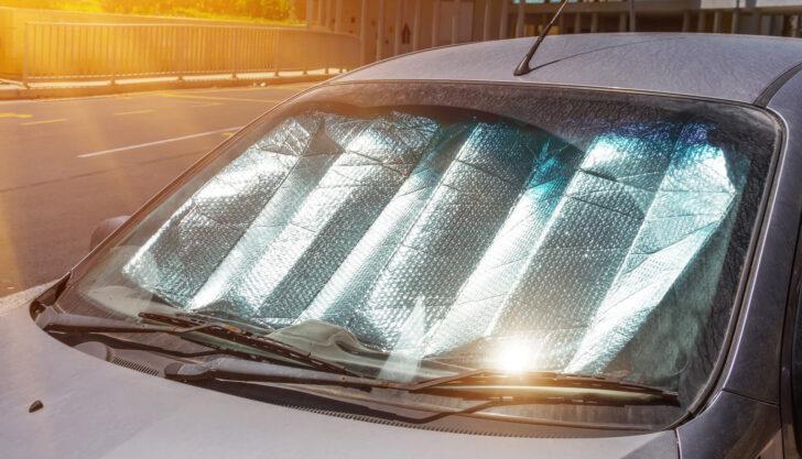 Солнцезащитный экран в автомобиле