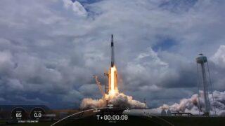 Запуск ракеты Falcon 9. Кадр из трансляции SpaceX