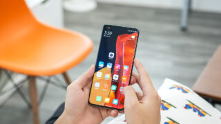 Смартфон Xiaomi Mi 11 Ultra. Фото N.Tho.Duc / Unsplash