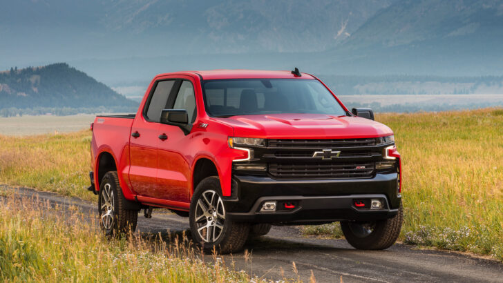 Chevrolet Silverado. Фото General Motors