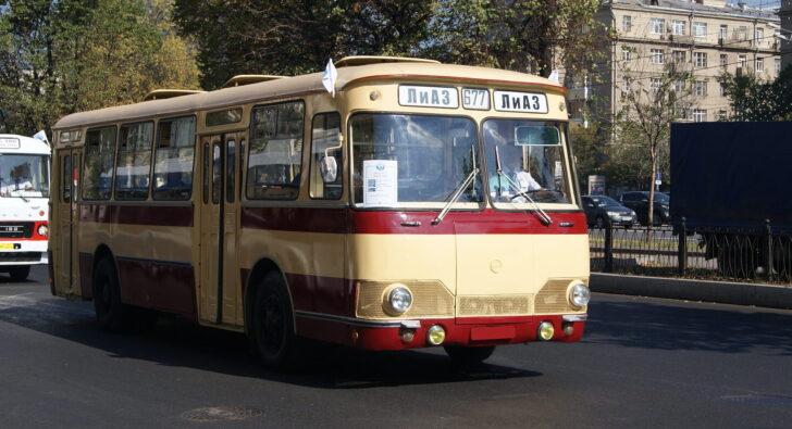 Автобус ЛиАЗ-677. Фото Sergey Rodovnichenko (CC BY-SA 2.0)