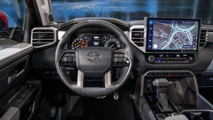 Интерьер Toyota Tundra. Фото Toyota